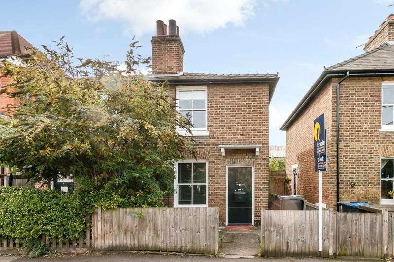 3 Bedrooms Semi Detached House for sale in Acre Road, Kingston upon Thames, KT2