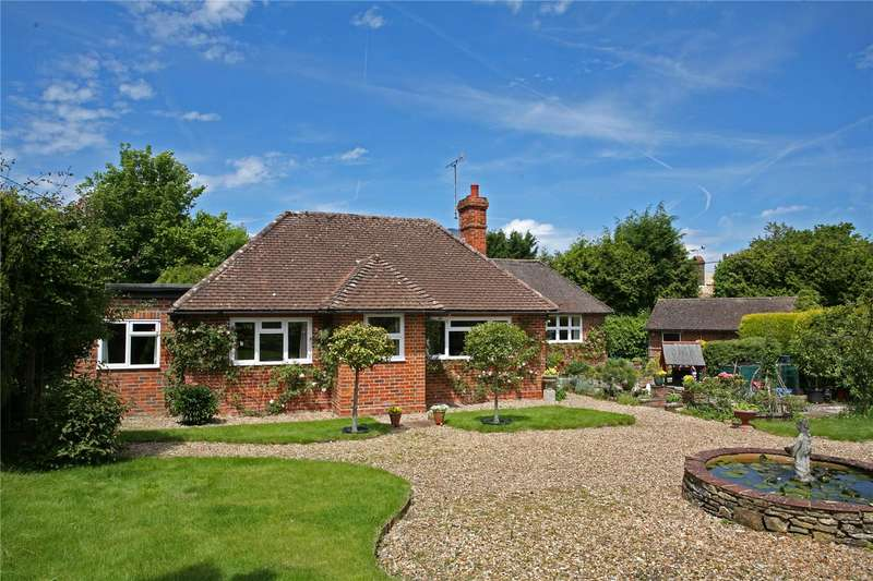 4 Bedrooms Detached Bungalow for sale in London Road, Watersfield, Pulborough, West Sussex, RH20