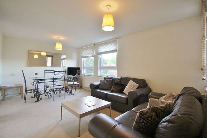 1 Bedroom Flat for sale in Lily Close, London