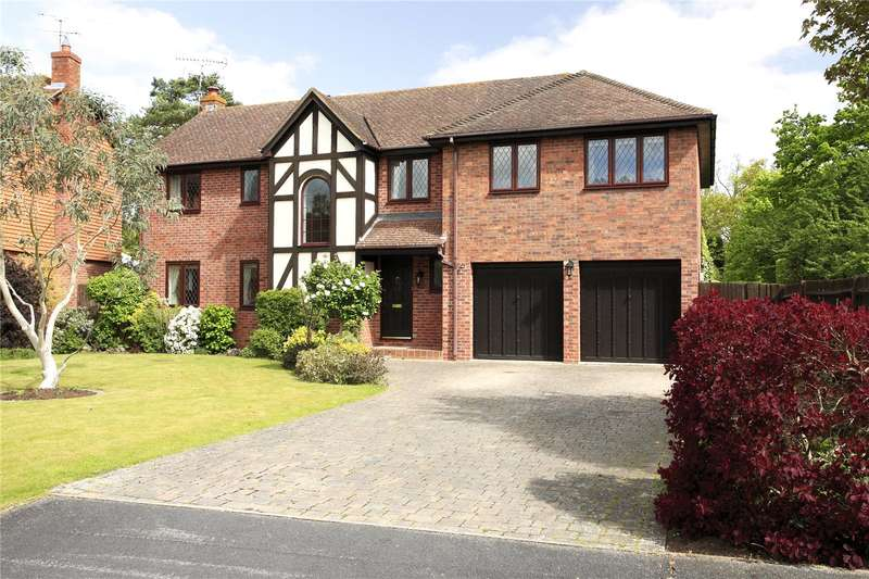 5 Bedrooms Detached House for sale in West Fryerne, Yateley, GU46