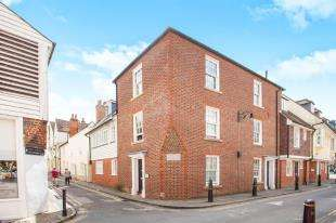 2 Bedrooms Flat for sale in Heritage Court, Stour Street, Canterbury, Heritage Court