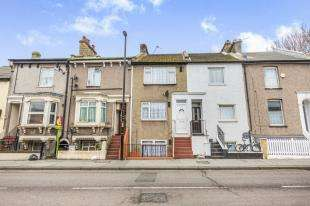 4 Bedrooms Terraced House for sale in Cuthbert Road, Croydon