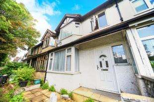 3 Bedrooms Terraced House for sale in Famet Gardens, Kenley, Surrey