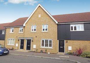3 Bedrooms Terraced House for sale in Primrose Avenue, Sittingbourne, Kent