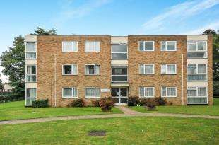 2 Bedrooms Flat for sale in Warham Road, South Croydon