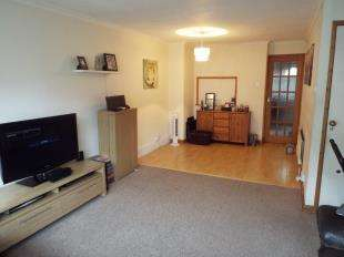 2 Bedrooms Maisonette Flat for sale in Lancey Close, London