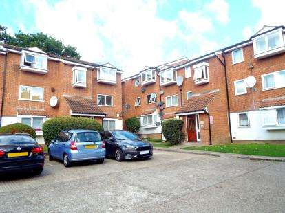 2 Bedrooms Flat for sale in Poplar Grove, London