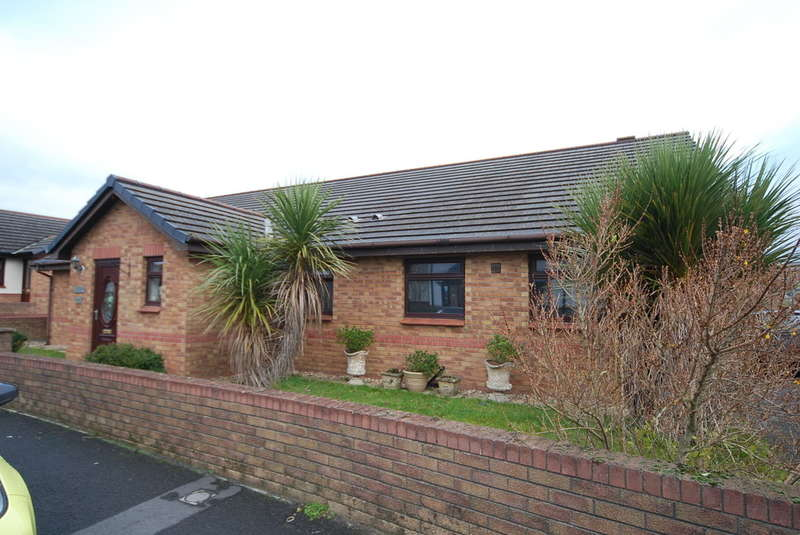 4 Bedrooms Detached Bungalow for sale in The Headlands, Askam-in-Furness, Cumbria, LA16 7JB
