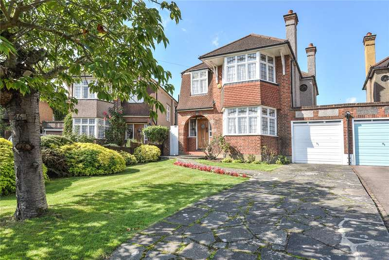 3 Bedrooms Detached House for sale in Highfield Avenue, Pinner, Middlesex, HA5
