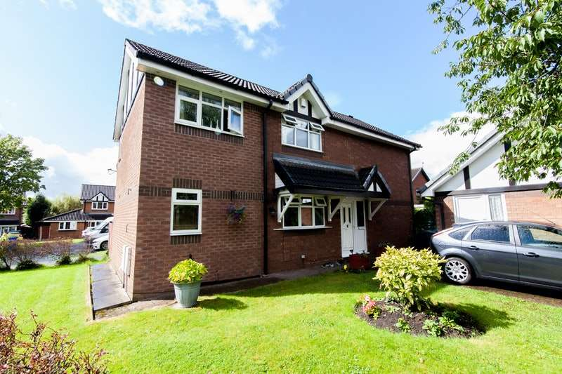 4 Bedrooms Detached House for sale in magpie close, droylsden, Lancashire, M43