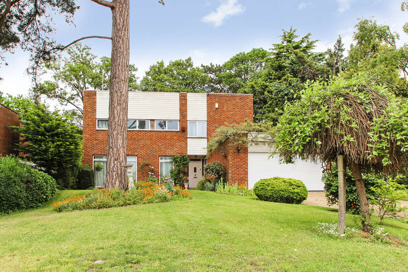 4 Bedrooms Detached House for sale in Lord Chancellor Walk, Kingston Upon Thames