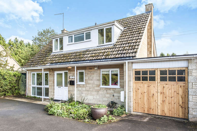 3 Bedrooms Detached House for sale in London Road, Fairford
