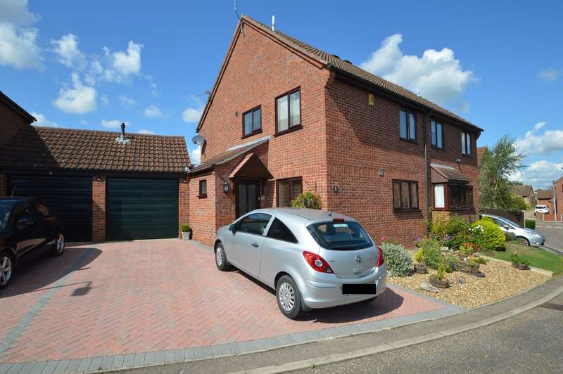 3 Bedrooms Semi Detached House for sale in Gilbert Grove, Loddon