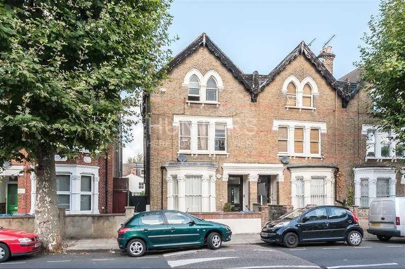 2 Bedrooms Apartment Flat for sale in Victoria Road, London, NW6 6TD