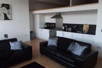 2 Bedrooms Flat for rent in Albion Street, GLASGOW