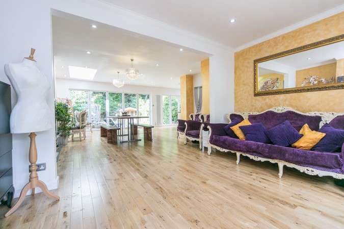 5 Bedrooms Terraced House for sale in Staveley Gardens, Chiswick