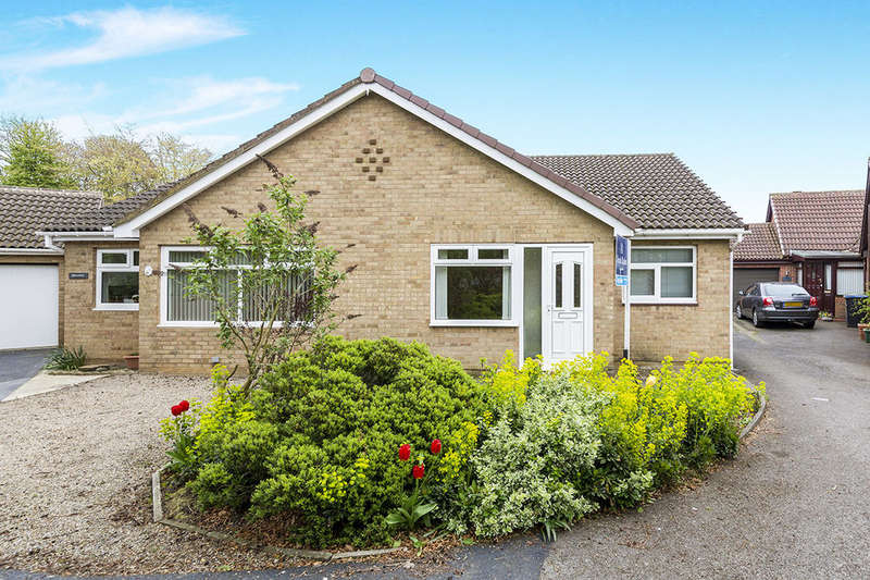 2 Bedrooms Semi Detached Bungalow for sale in Ramsay Drive, Ferryhill, DL17