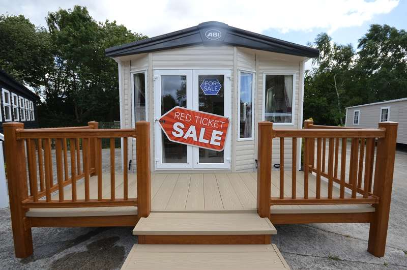 2 Bedrooms Mobile Home for sale in Carlton Mers Holiday Park, Saxmundham, Suffolk. IP17 2QP