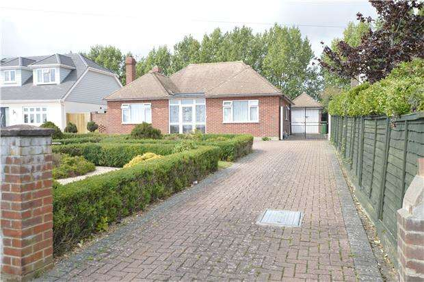 2 Bedrooms Detached Bungalow for sale in Harley Shute Road, St Leonards On Sea, TN38 8BY