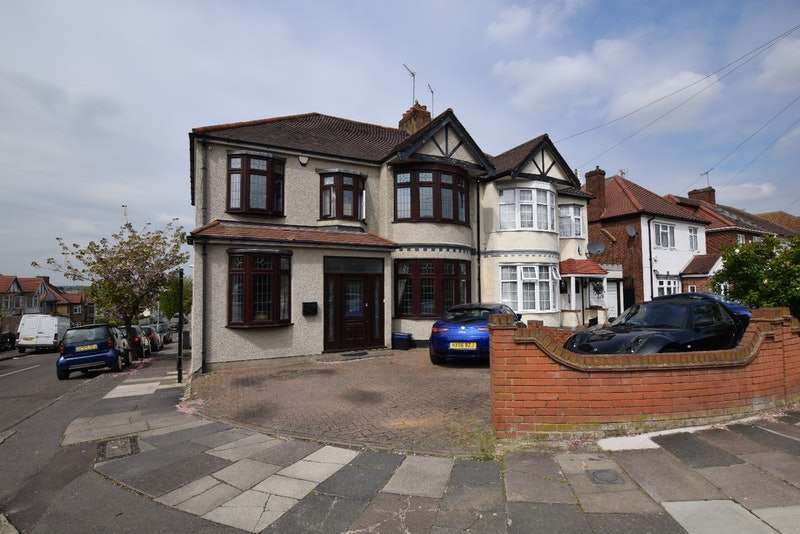 5 Bedrooms Semi Detached House for sale in Stoneleigh Road, Ilford, Essex, IG5