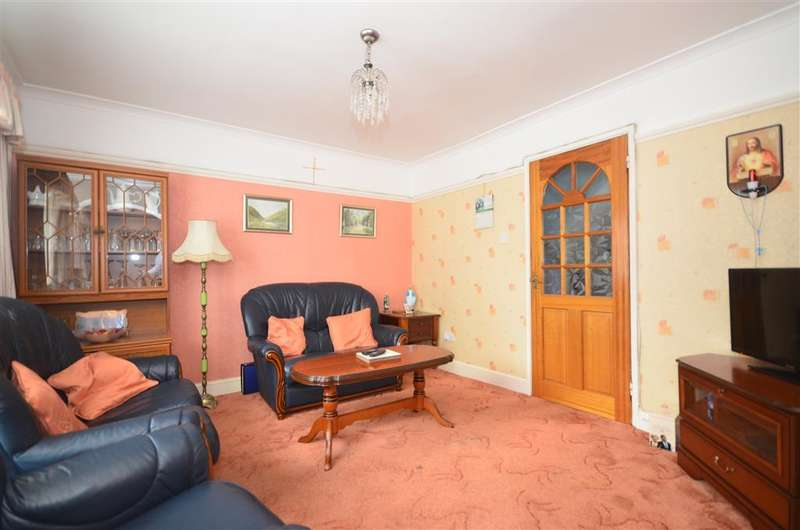 3 Bedrooms Terraced House for sale in Gales Drive, Three Bridges, Crawley, West Sussex