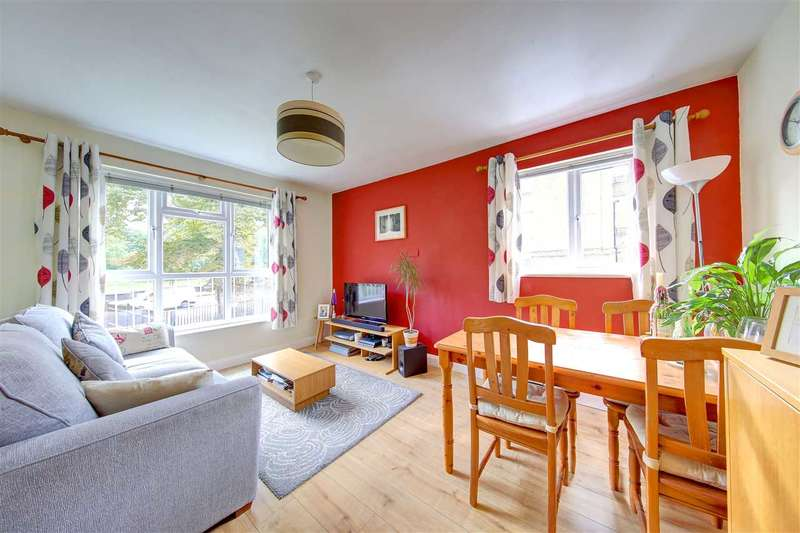 2 Bedrooms Property for sale in Bewley Court, 176 Brixton Hill, Brixton