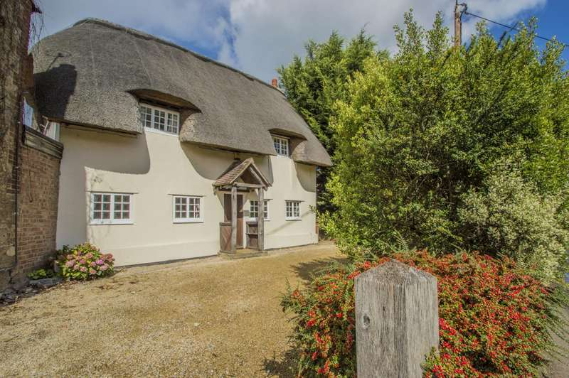 2 Bedrooms Detached House for sale in Thame Road, Stadhampton, Oxford, OX44