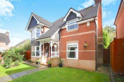 3 Bedrooms Detached House for sale in Beverley Way, Tytherington, Macclesfield, Cheshire