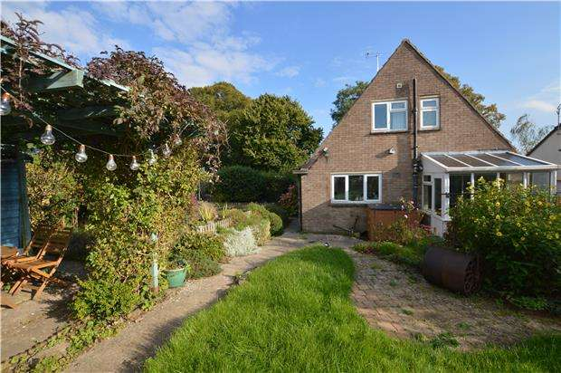 3 Bedrooms Detached House for sale in Tylers Way, Chalford Hill, Stroud, Gloucestershire, GL6 8ND