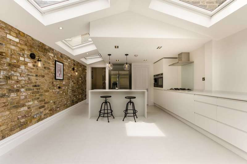 4 Bedrooms Terraced House for sale in Hiley Road, Kensal Green, NW10