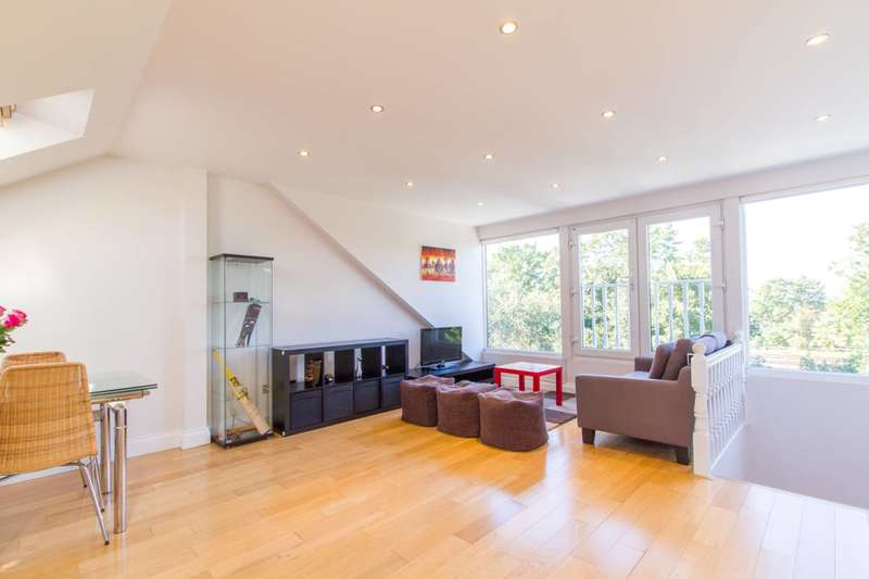 2 Bedrooms Flat for sale in Lichfield Road, Cricklewood, NW2