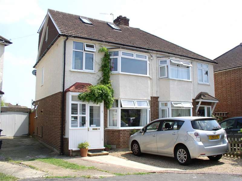 4 Bedrooms Semi Detached House for sale in Monks Crescent, Walton-On-Thames