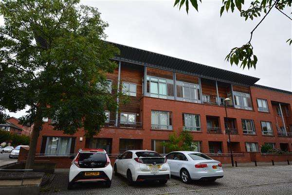 1 Bedroom Apartment Flat for sale in Moffat Street, New Gorbals, G5