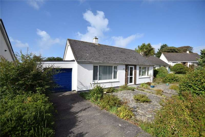 3 Bedrooms Detached Bungalow for sale in Rosewarne Gardens, Camborne, Cornwall