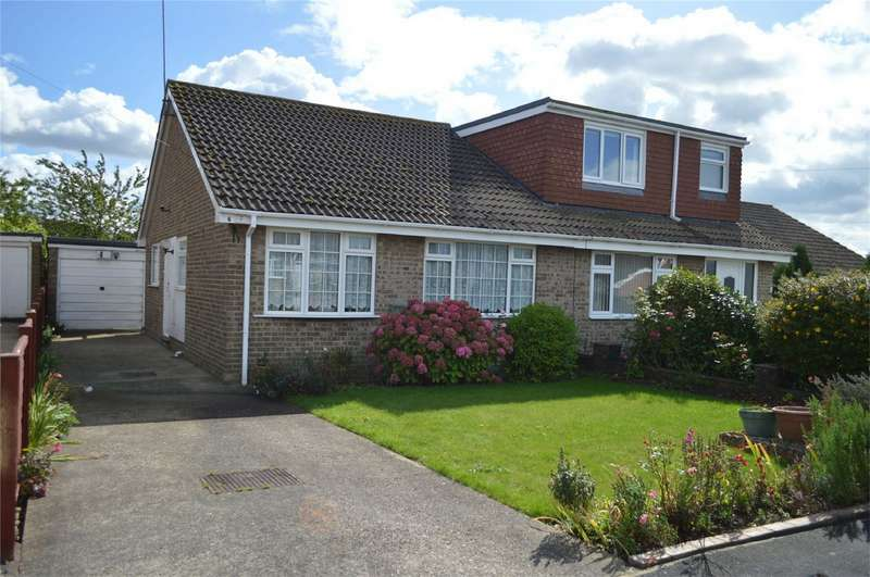 2 Bedrooms Semi Detached Bungalow for sale in Constable Close, Sproatley, East Riding of Yorkshire