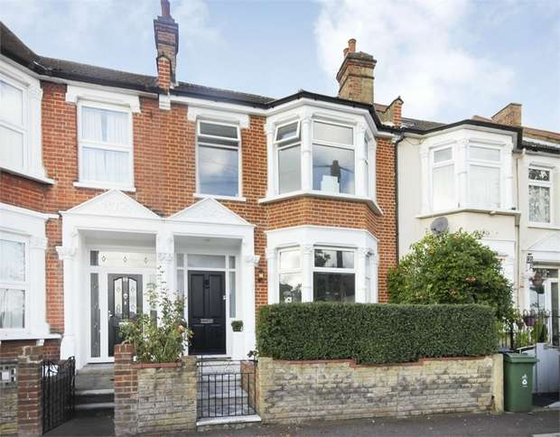 3 Bedrooms Terraced House for sale in Greenleaf Road, Walthamstow, London