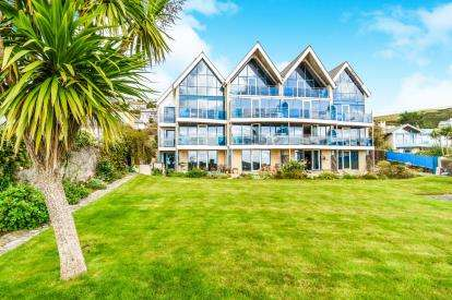 2 Bedrooms Flat for sale in Beach Hill, Downderry, Torpoint