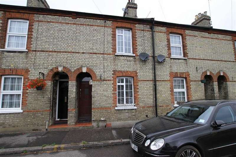 2 Bedrooms Cottage House for sale in Chipping Close, High Barnet, Herts, EN5