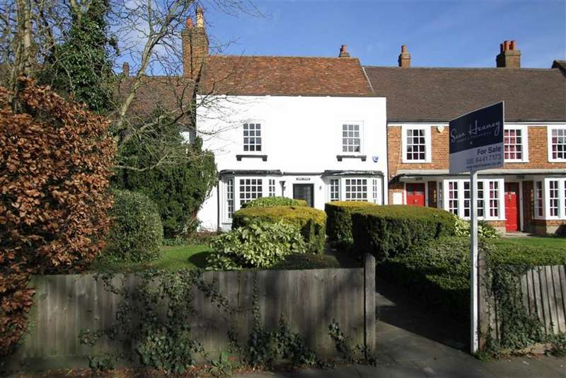 3 Bedrooms Cottage House for sale in Wood Street, High Barnet, Herts, EN5
