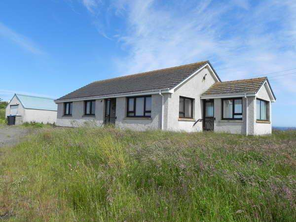 4 Bedrooms Detached Bungalow for sale in Lochside Sarclet, Thrumster, Wick, KW1 5TU