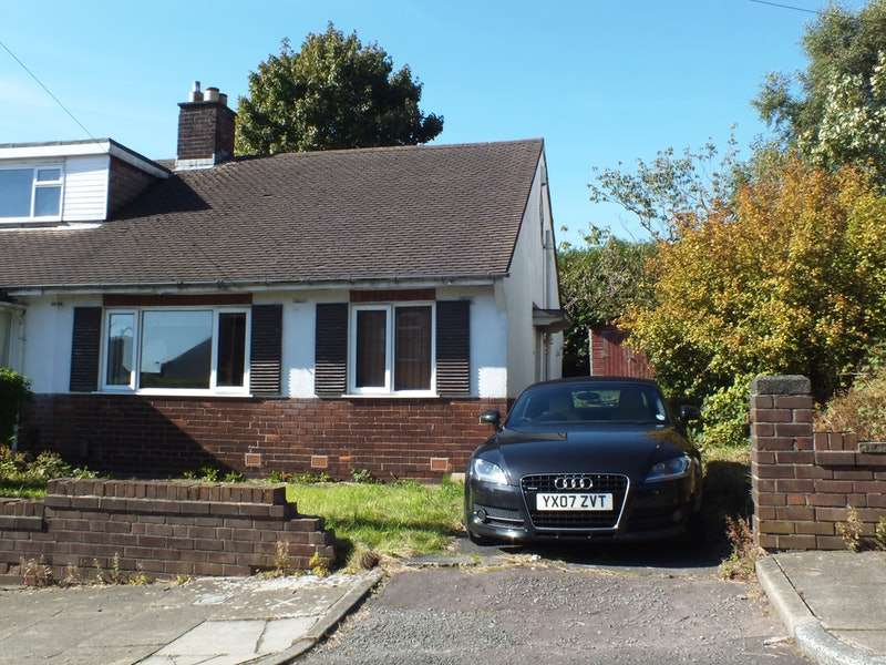 2 Bedrooms Bungalow for sale in Leopold Road, Blackburn, Lancashire, BB2