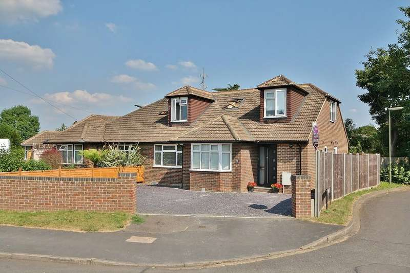 4 Bedrooms Chalet House for sale in Woking, Surrey