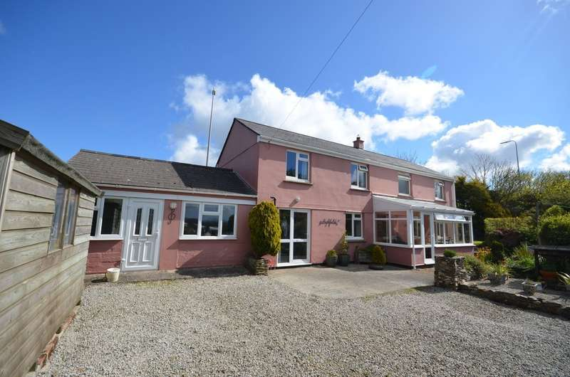 5 Bedrooms Detached House for sale in Three Burrows