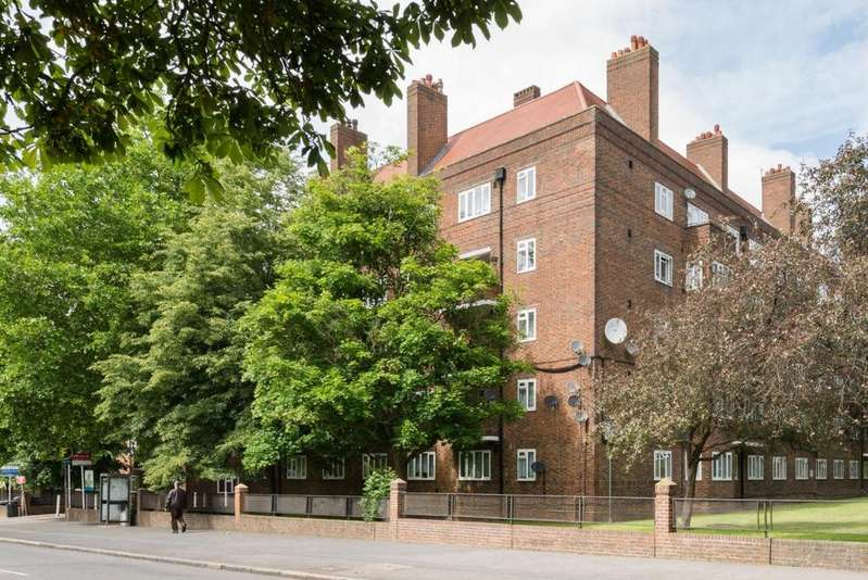 1 Bedroom Flat for sale in Rother House, Peckham Rye, London, SE15