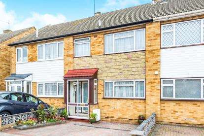 3 Bedrooms Terraced House for sale in The Mawneys, Romford, Essex