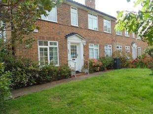 2 Bedrooms Flat for sale in Chappell Croft, Mill Road, Worthing, West Sussex
