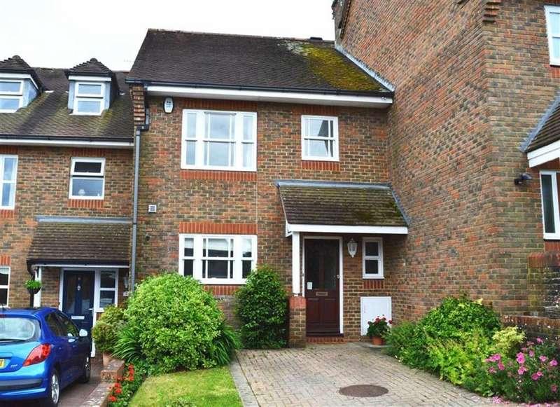 3 Bedrooms Terraced House for sale in Farmers Walk, Wimborne, Dorset