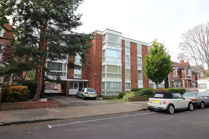 2 Bedrooms Flat for sale in Outram Road, Southsea