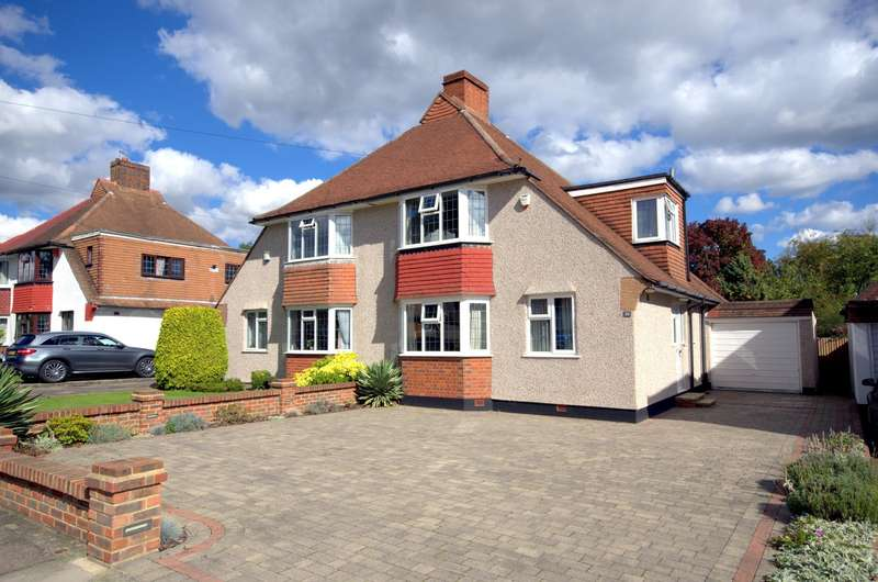 3 Bedrooms Semi Detached House for sale in Old Malden