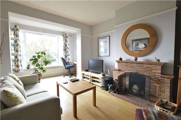 3 Bedrooms Semi Detached House for sale in Wykeham Road, HASTINGS, East Sussex, TN34 1UA